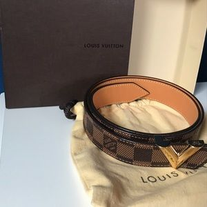 Louis Vuitton Essential V 30mm Belt
